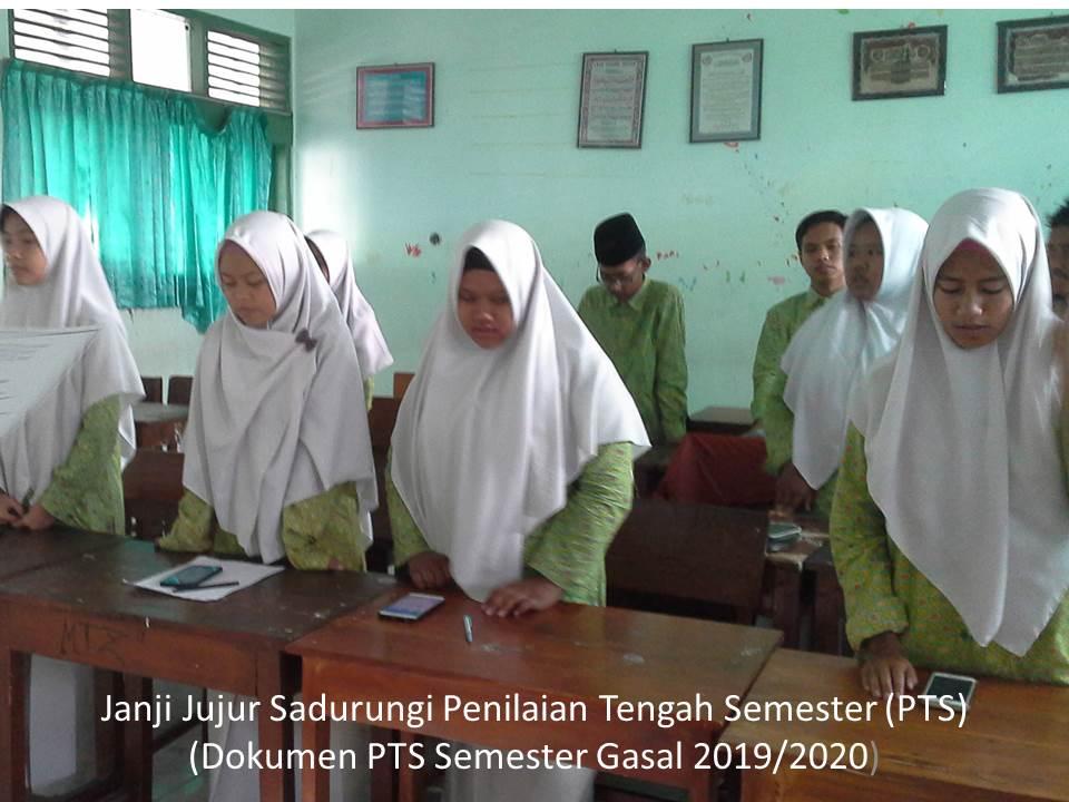 Photo of Pendhidhikan Karakter Lumantar Ikrar Jujur lan Panuwun