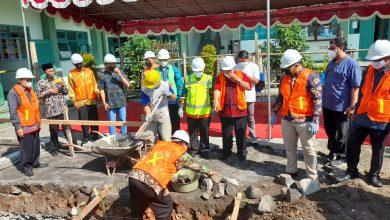 Photo of Kabid Dikmad Muntholib Lakukan Ground Breaking Gedung Kelas MAN 4 Sleman