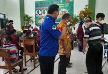 Photo of Panewu Pakem Pantau Vaksinasi Covid-19 Kedua di MAN 4 Sleman