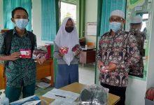 Photo of MAN 4 Sleman Bagikan Masker dan Kuota Internet Belajar